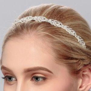 NWOT Faux Gemstone Crystal Headband